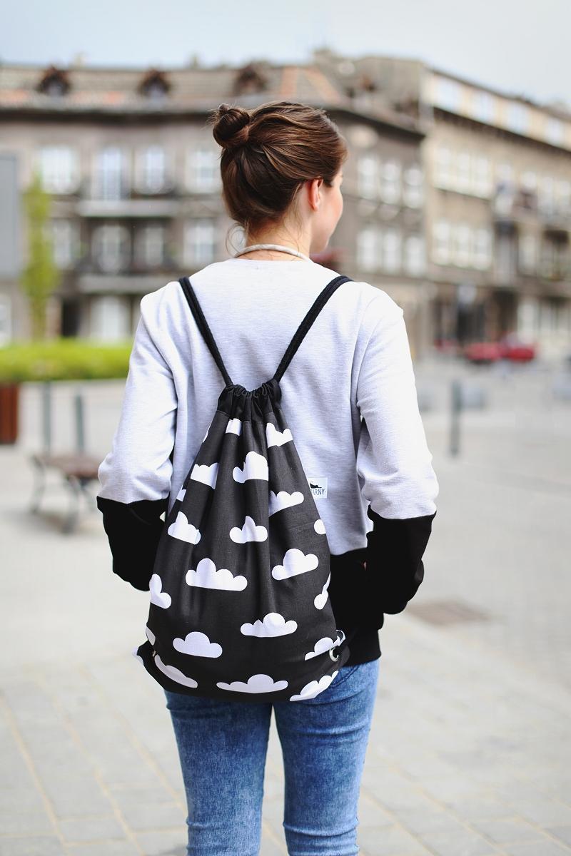 Oryginalny plecak od Czarny szyje