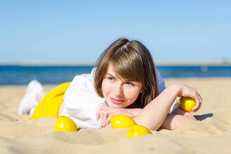 Na plaży wśród cytryn