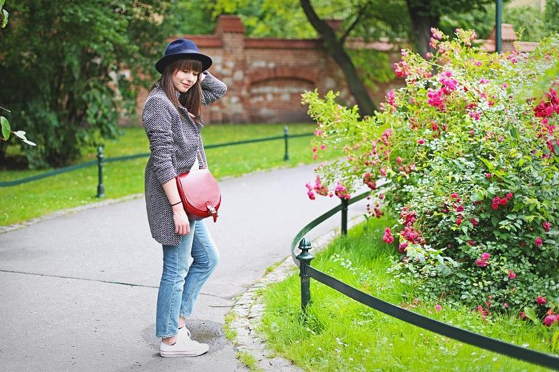 Sesja zdjęciowa wśród róż - Kraków
