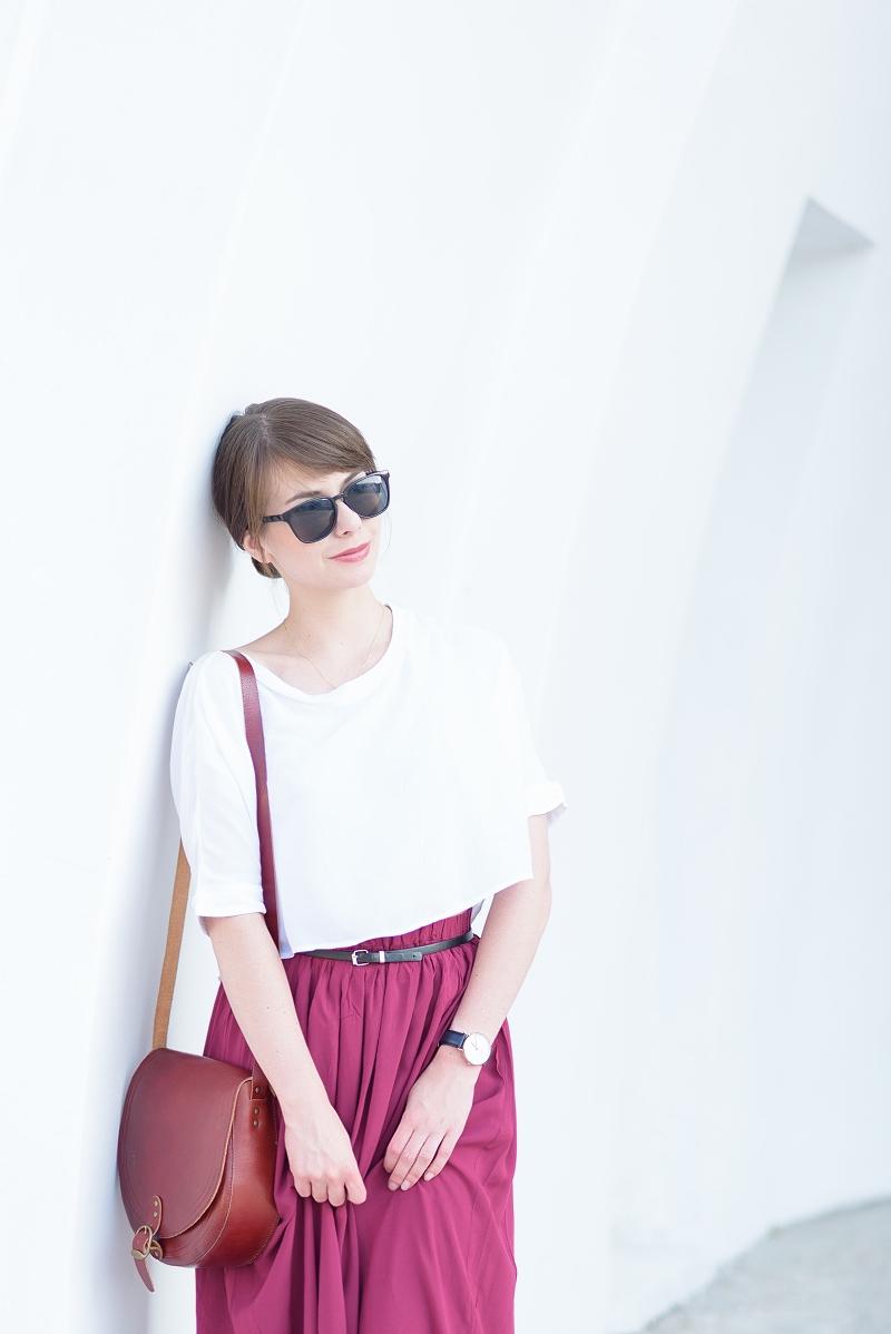 Biały krótki top i spódnica maxi