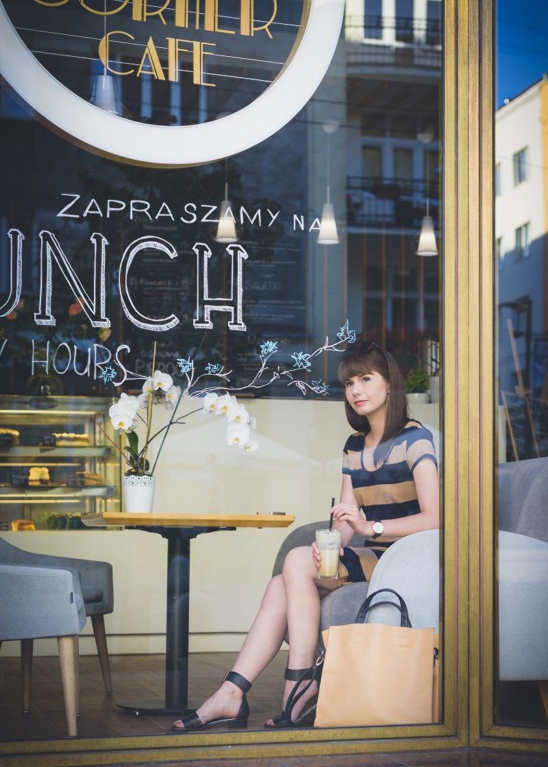 Sesja zdjęciowa w corner cafe