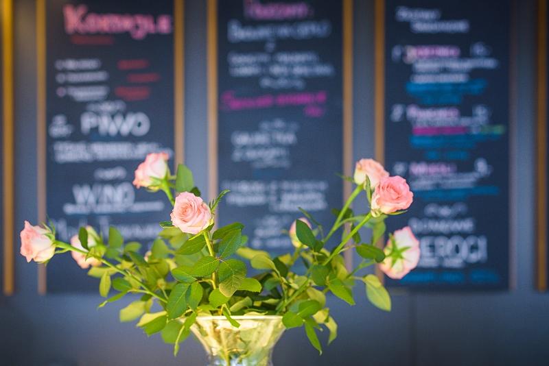 Róże w Corner Cafe