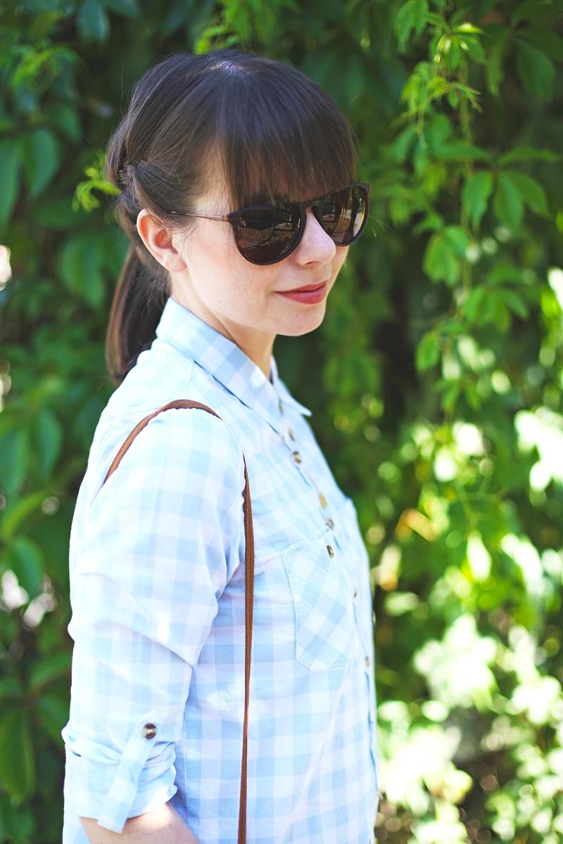 Okulary TK Maxx i koszula w kratę