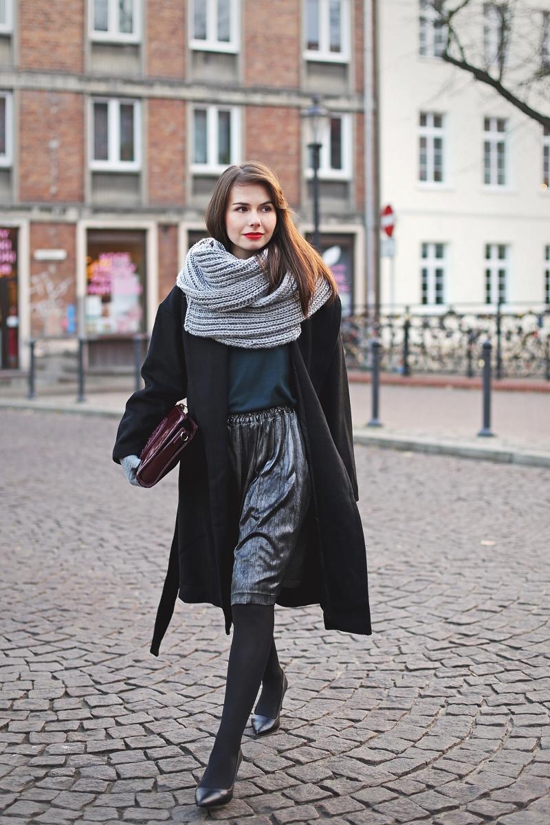 Wełniany płaszcz na jesień i zimę