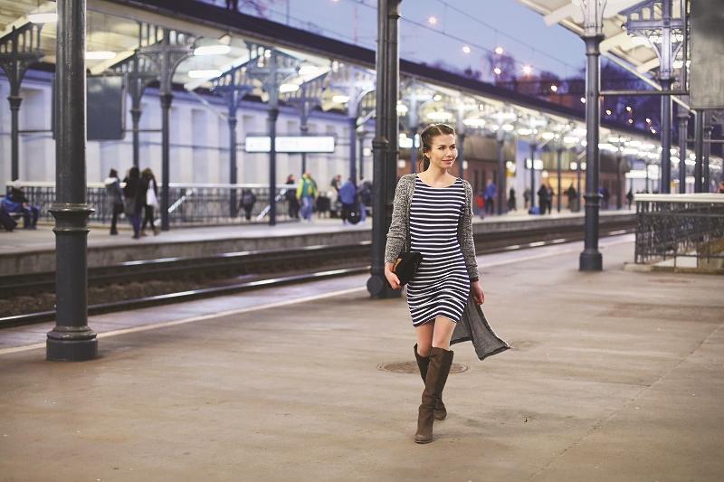 Sesja modowa - podświetlony Dworzec Główny