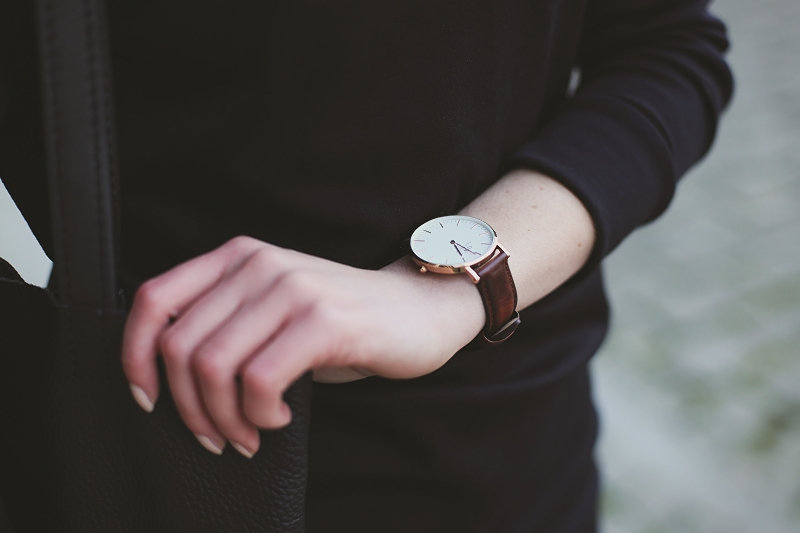 Zegarek Daniel Wellington z brązowym paskiem