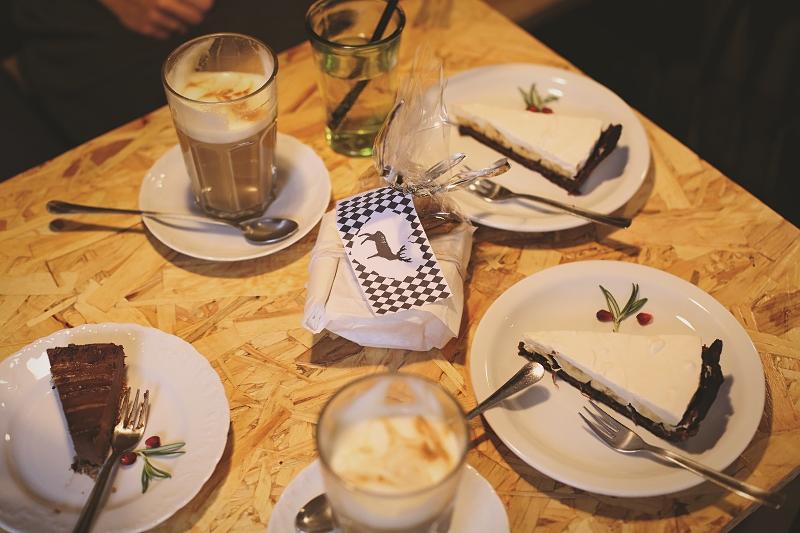 Świąteczne spotkanie w kawiarni