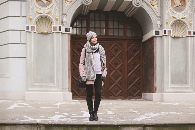 Zimowa stylizacja - beże i szarości