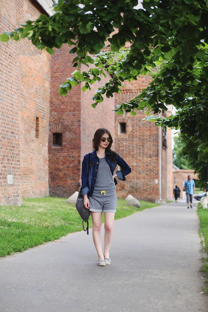 Dzień w Toruniu - sportowa stylizacja idealna na spacery