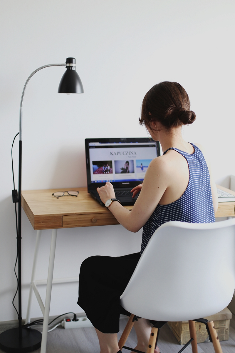 Freelance - praca w domu przed komputerem