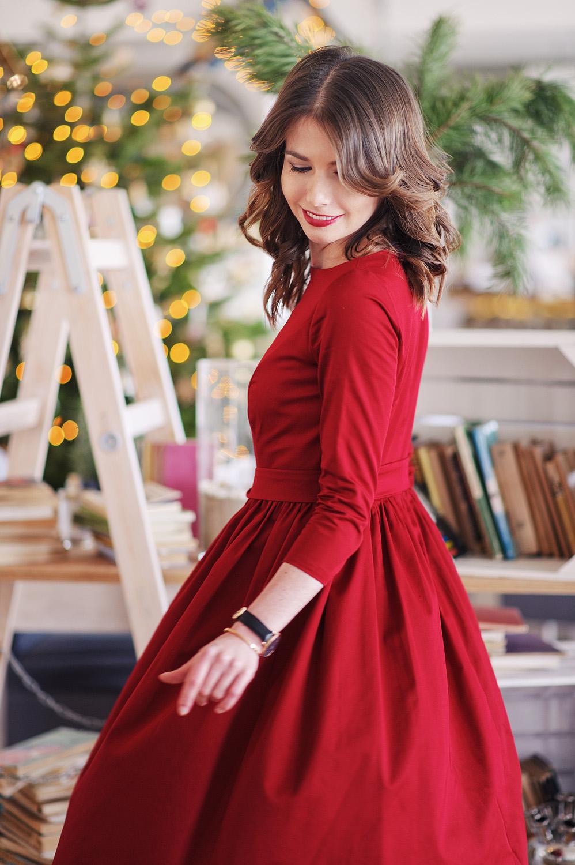 Czerwona sukienka Marie Zelie - sesja świąteczna