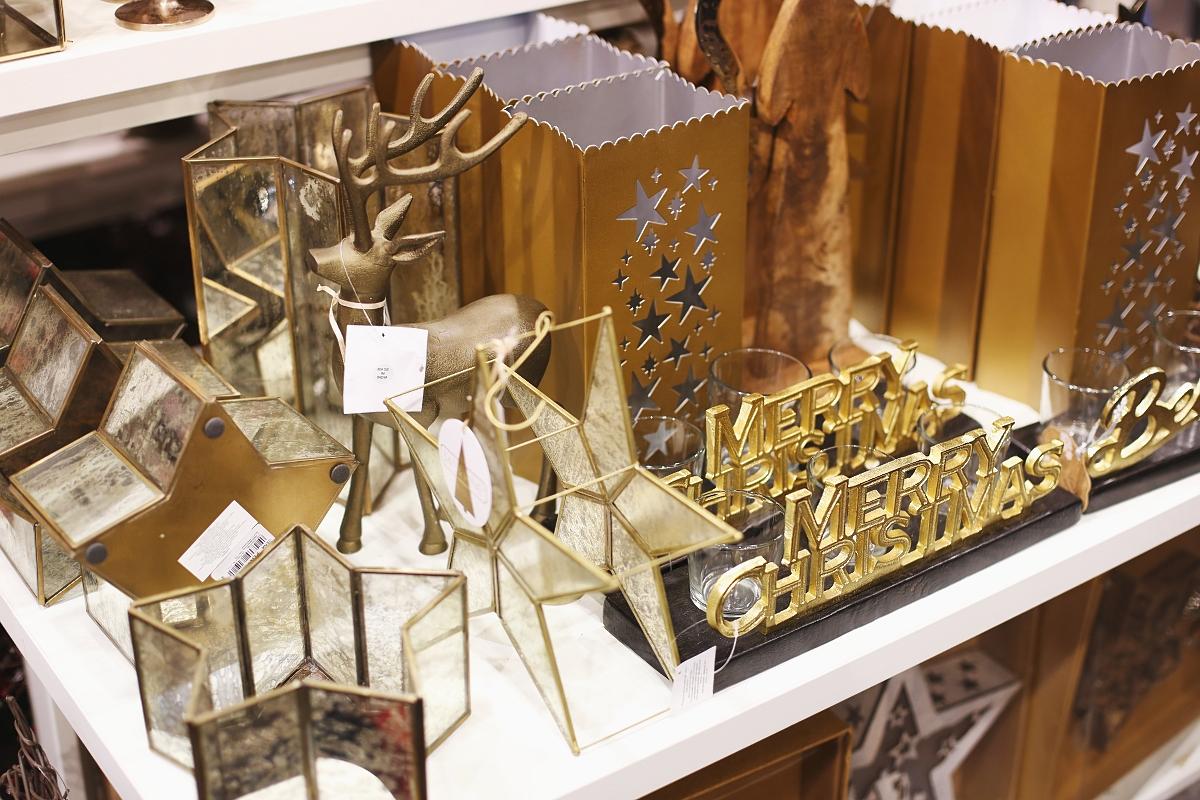 Złote ozdoby świąteczne
