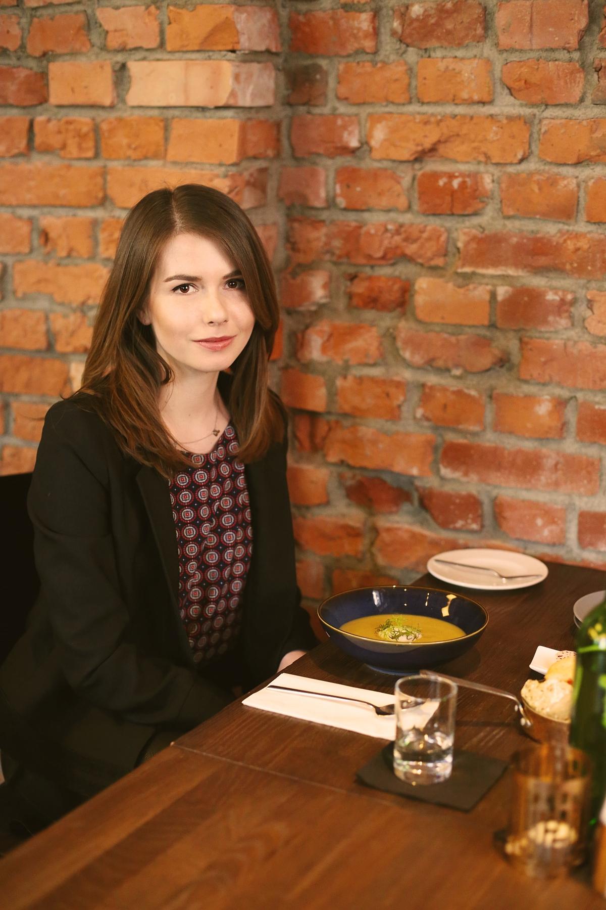 Przystawki - zupa krem z pieczonego ziemniaka i poru
