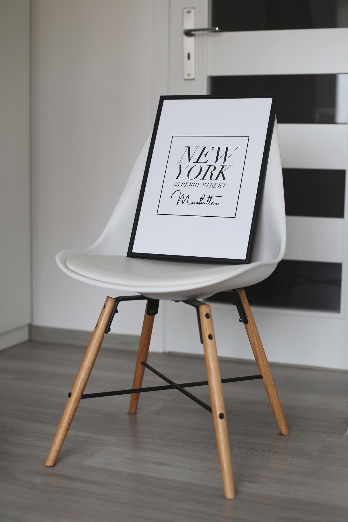 Czarno białe grafiki na ścianę - adres Carrie Bradshaw