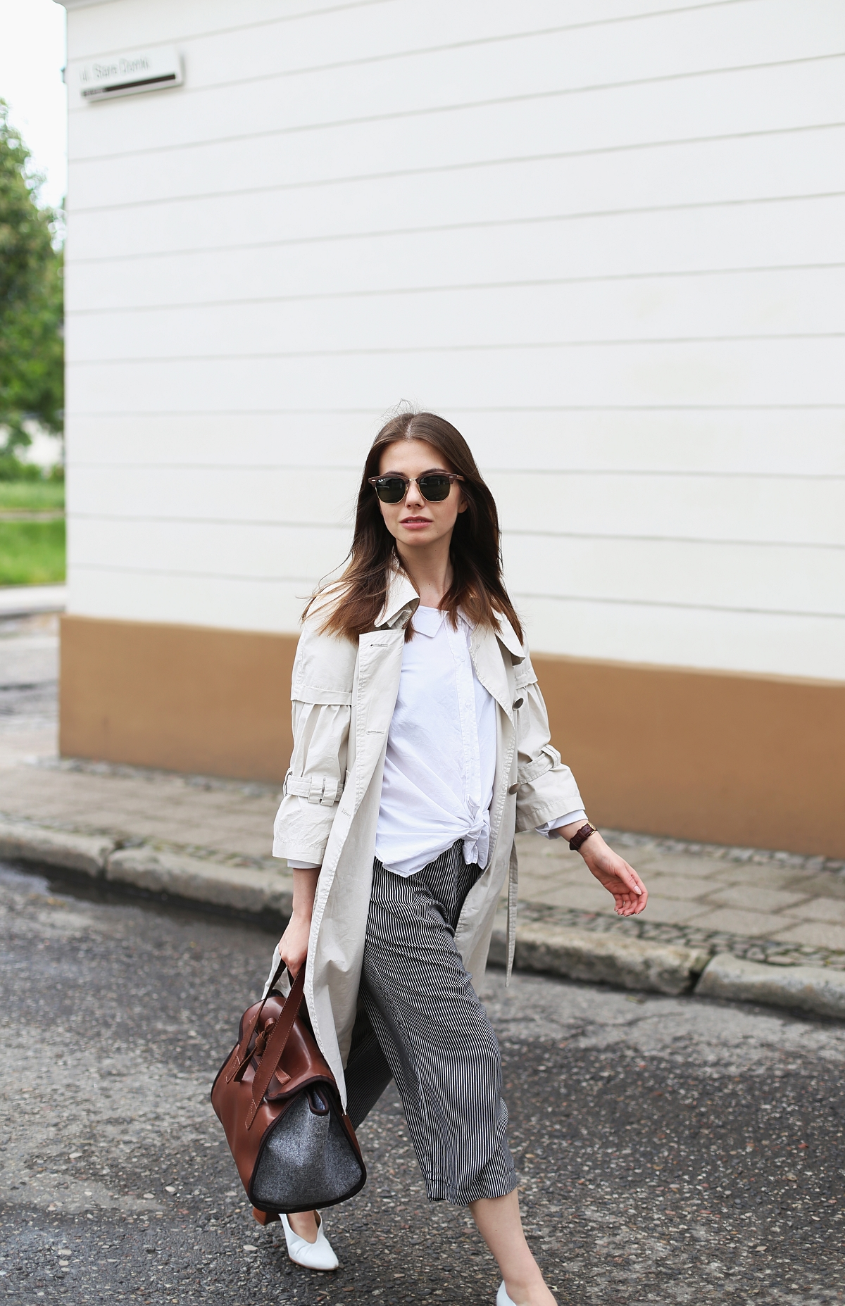 Podstawy klasycznej garderoby – poradnik zakupowy