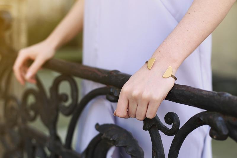 Złota minimalistyczna bransoletka