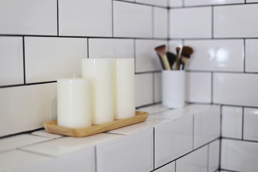 Mała łazienka - akcesoria - świeczki