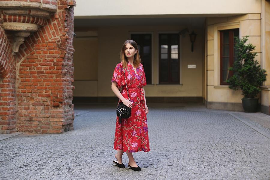 ANSWEAR.com total look - czerwona kwiecista sukienka 7/8