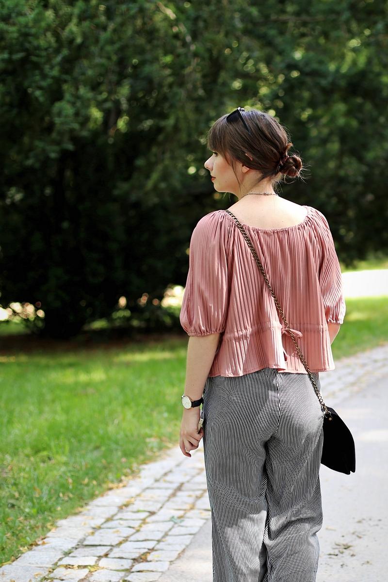 Plisowana bluzka i culottes