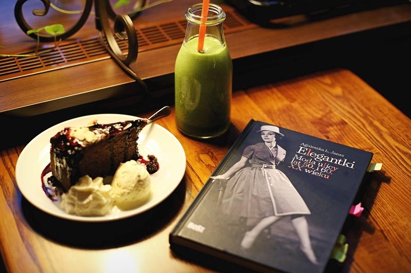 Książka Elegantki. Moda ulicy lat 50. i 60. XX wieku