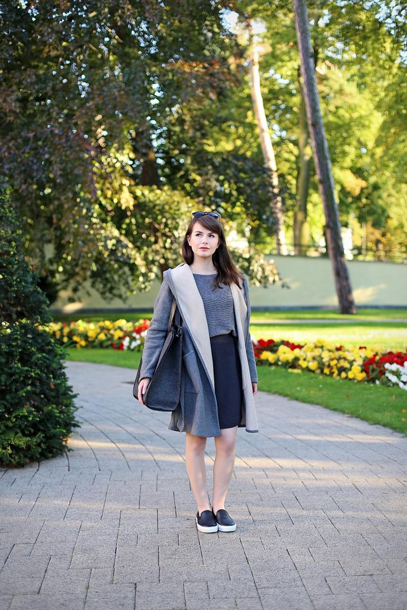 Spódnica ołówkowa i wełniany płaszcz na jesień