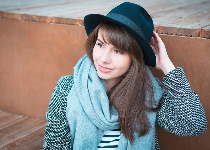 Wełniany szal i kapelusz