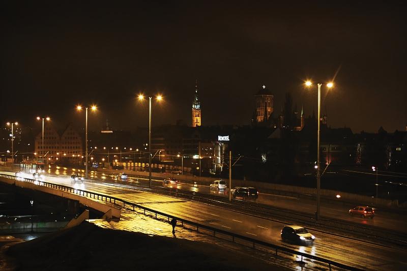 Widok na Gdańsk nocą