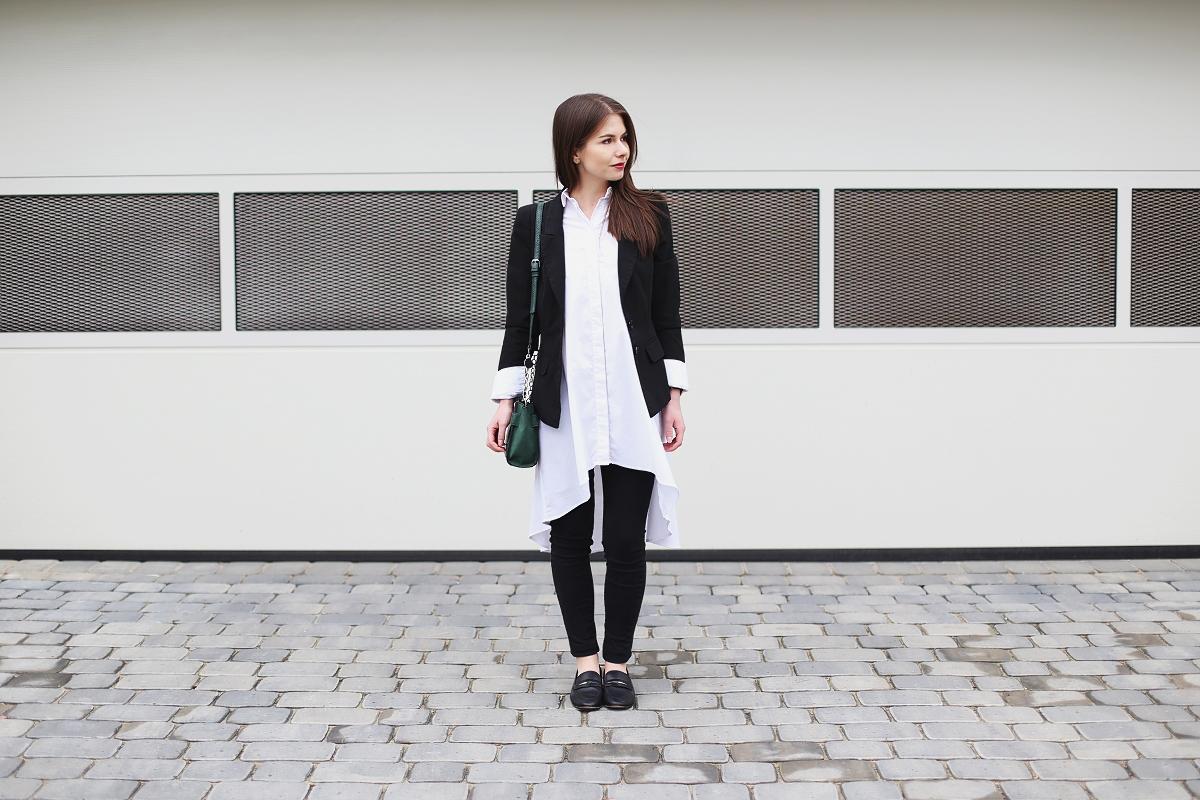 Biała koszula - jak nosić?