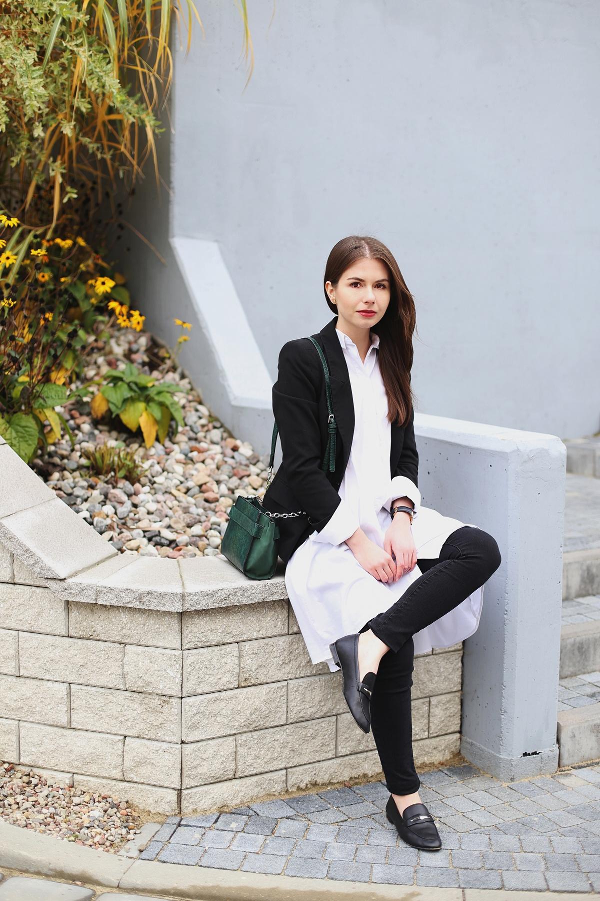 Minimalizm - elegancka stylizacja do pracy