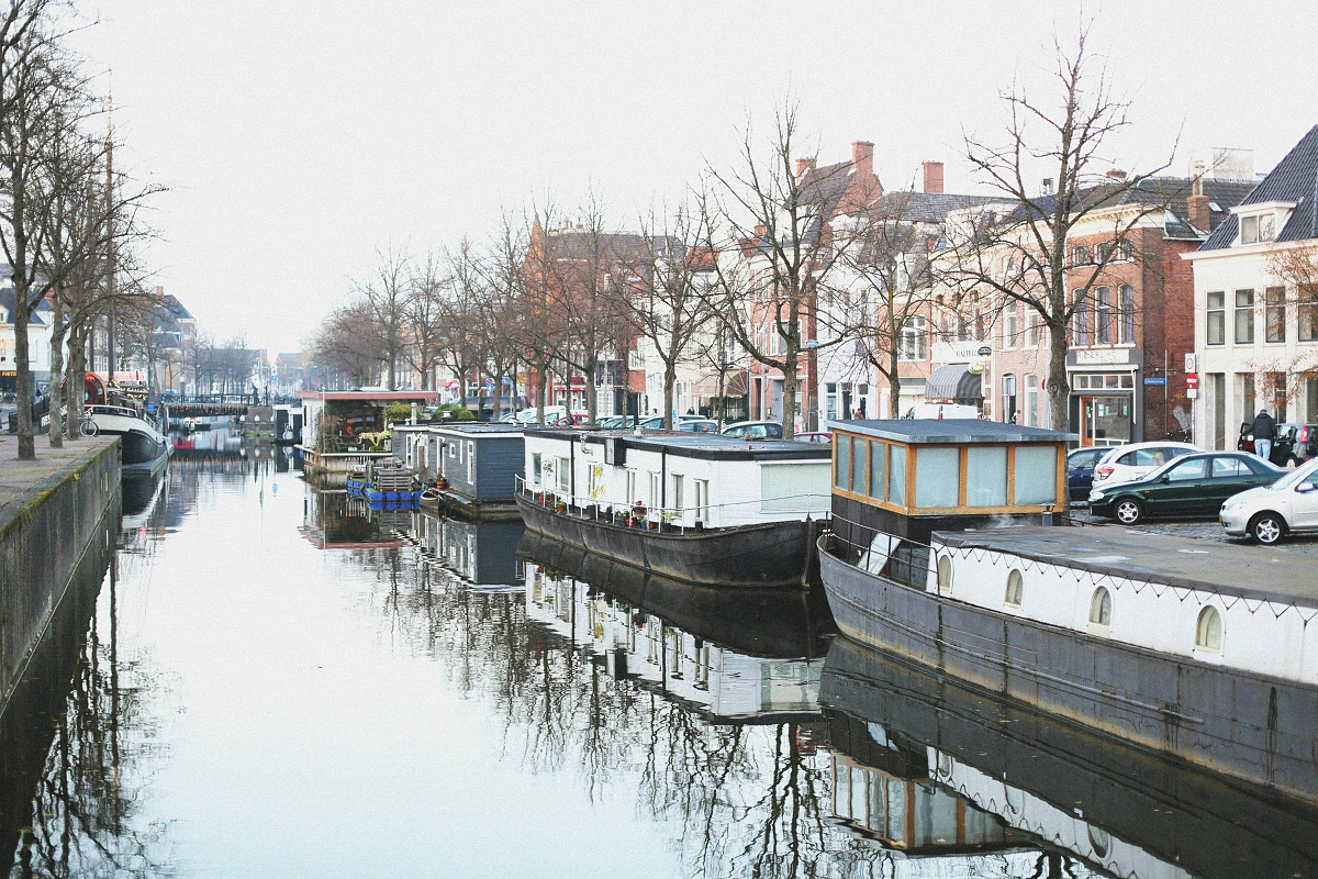 Groningen - barki na wodzie
