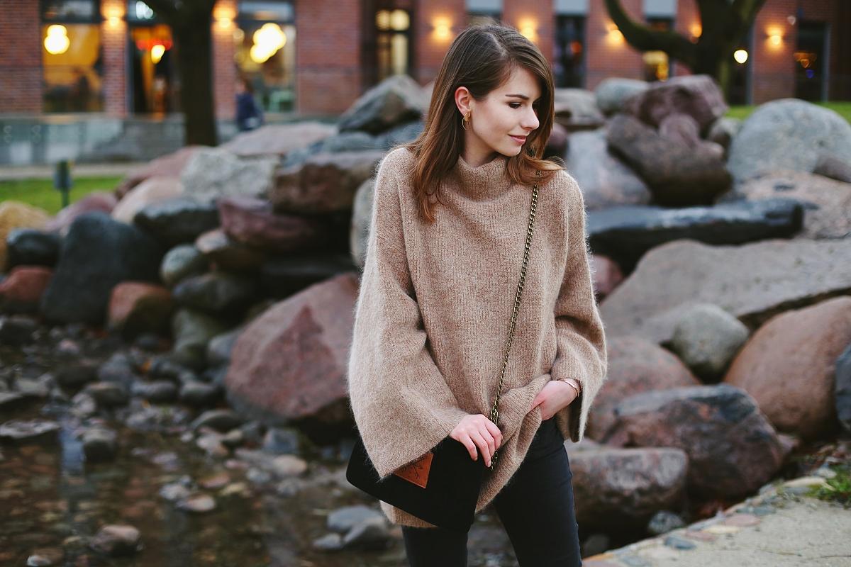 Minimalistyczny sweter oversize