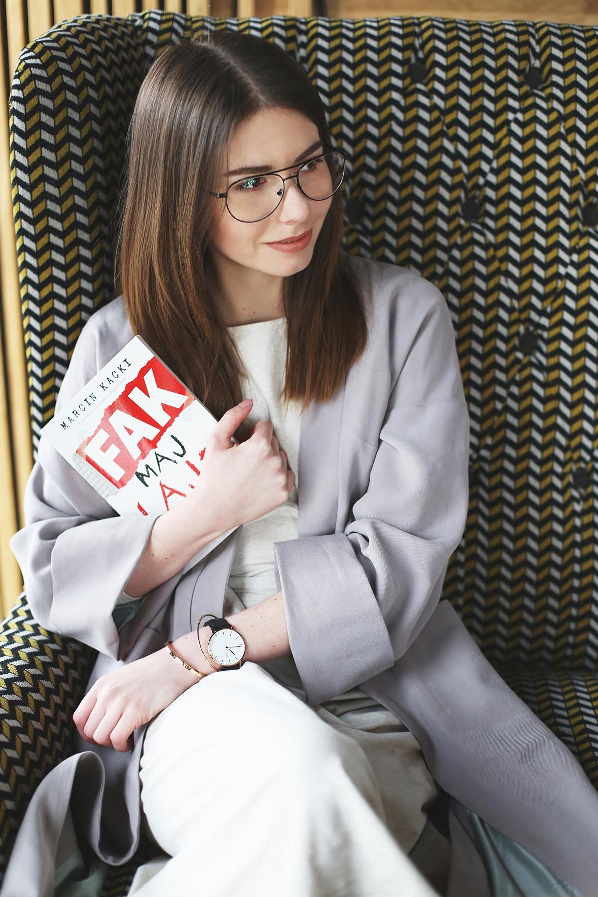 Fak maj lajf - powieść o życiu mediów, brukowców, celebrytów