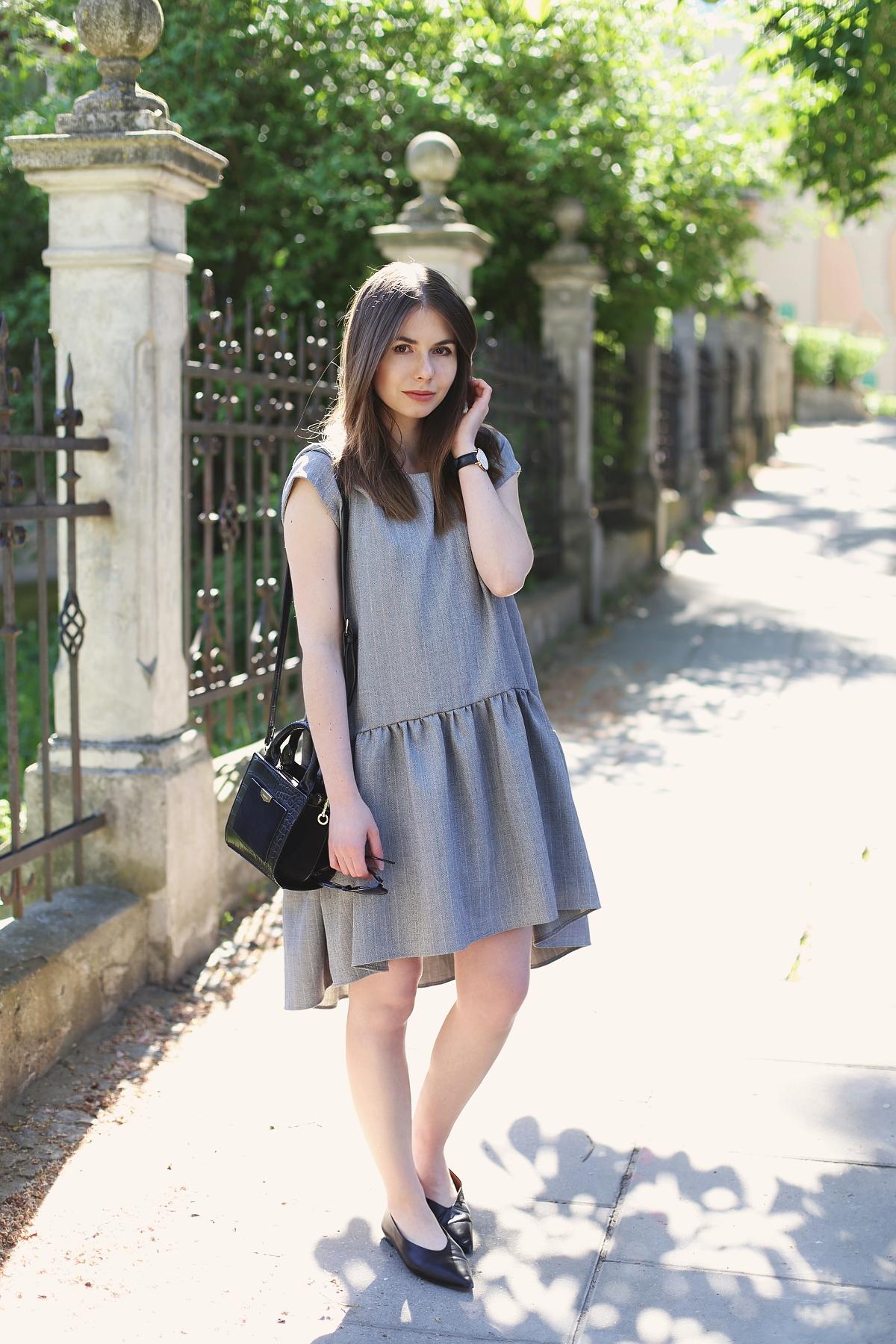 Blog o modzie: dziewczęca szara sukienka z asymetrycznym dołem