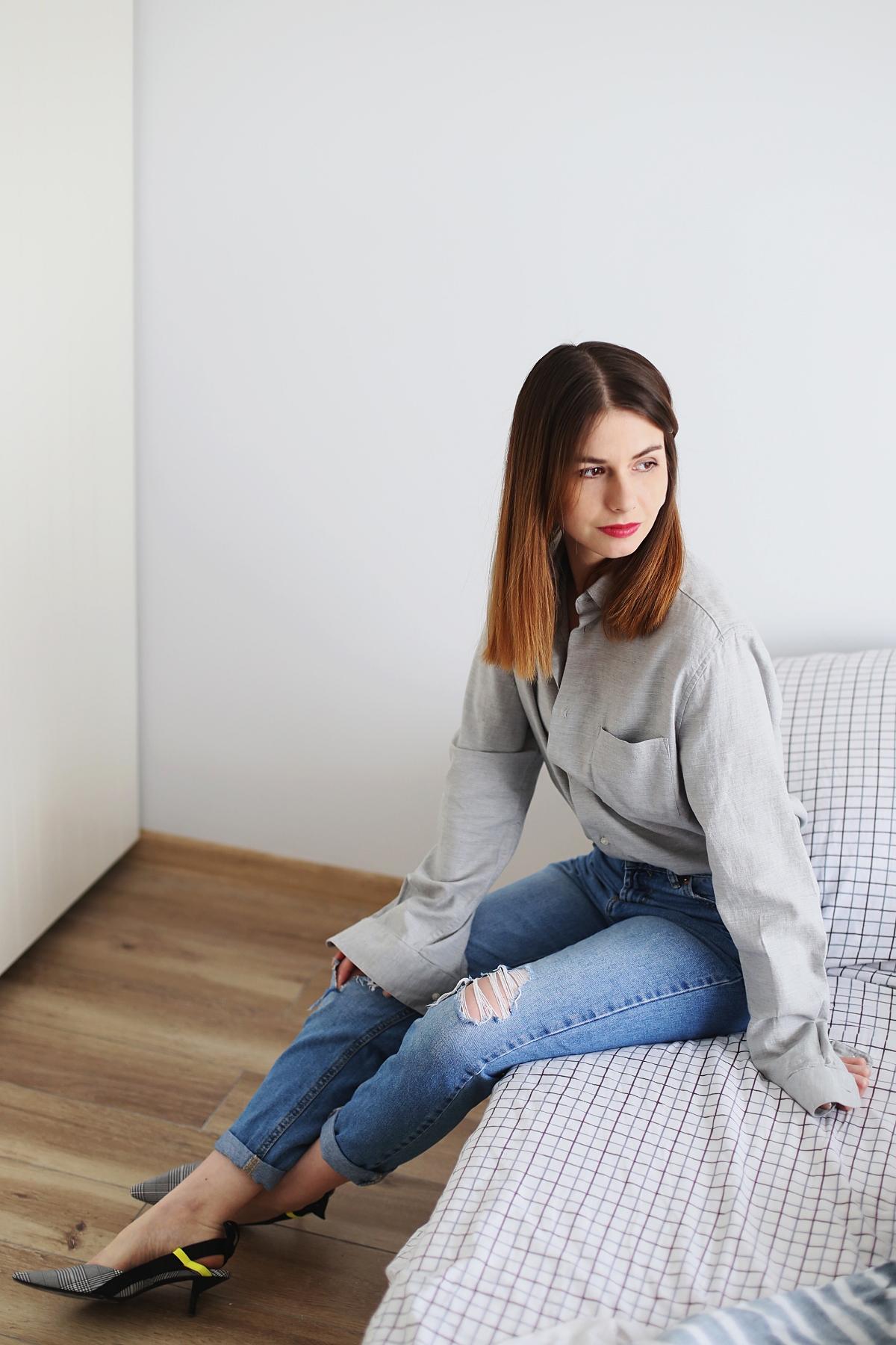 Minimalizm - koszula z działu męskiego i mom jeans