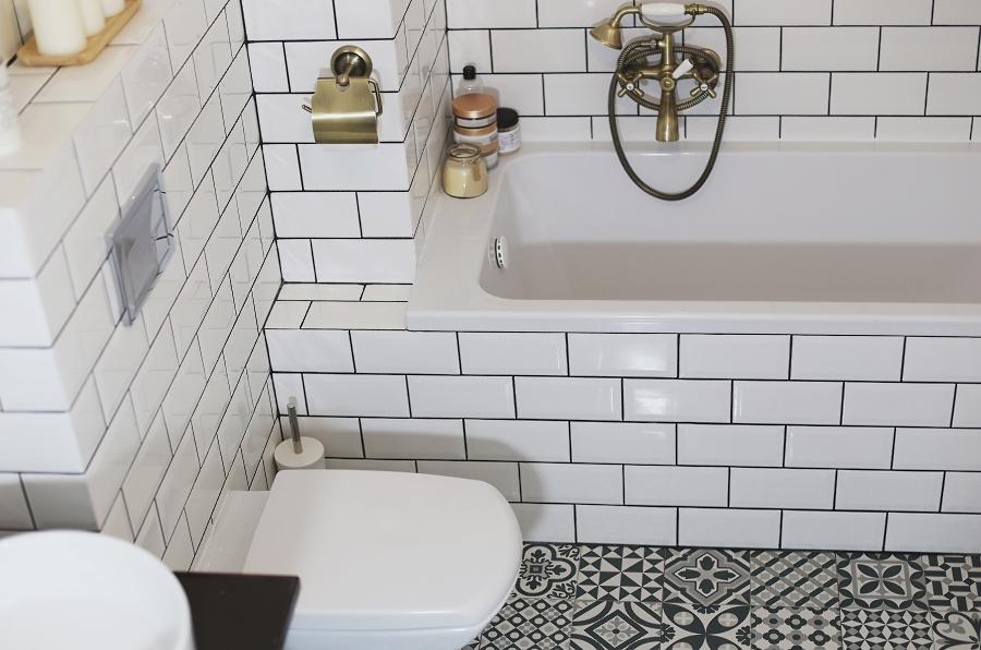 Mała łazienka – wanna