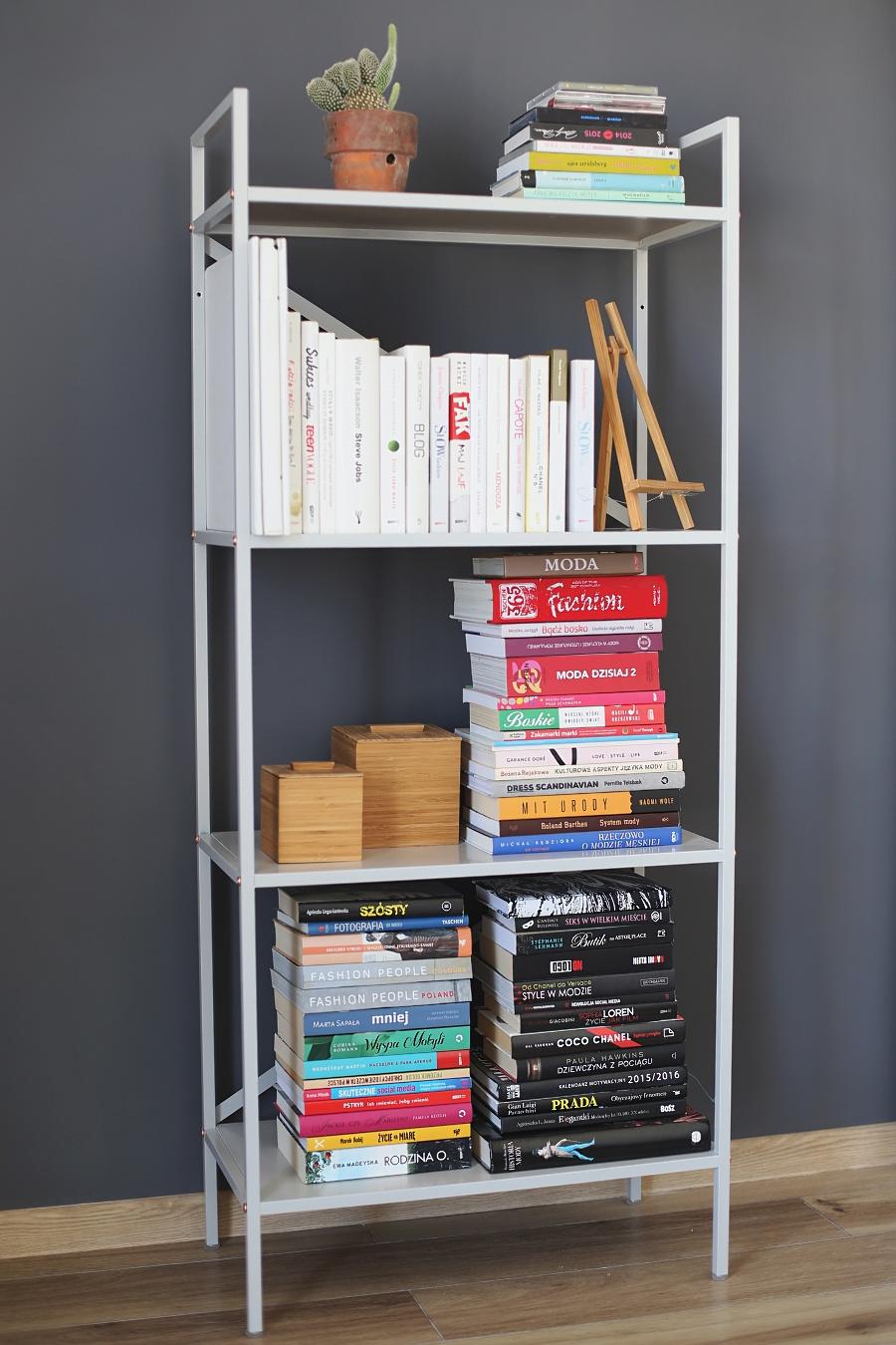 sypialnia - regał na książki
