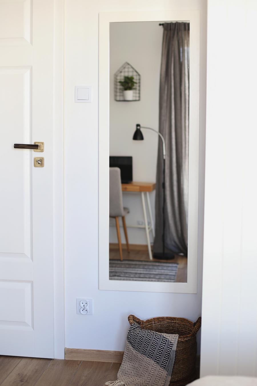 sypialnia - lustro