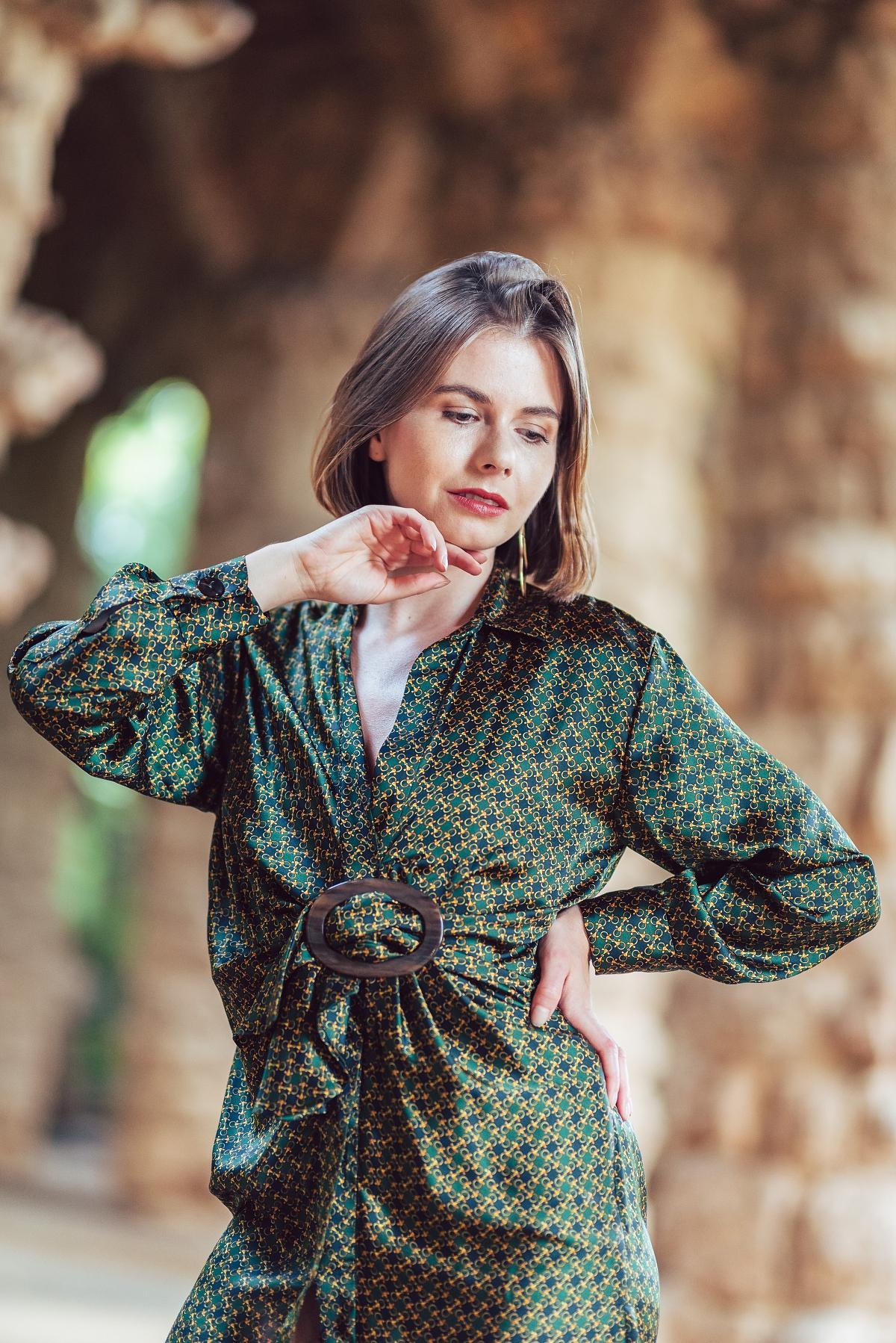 scarf print trend Barcelona Park Güell