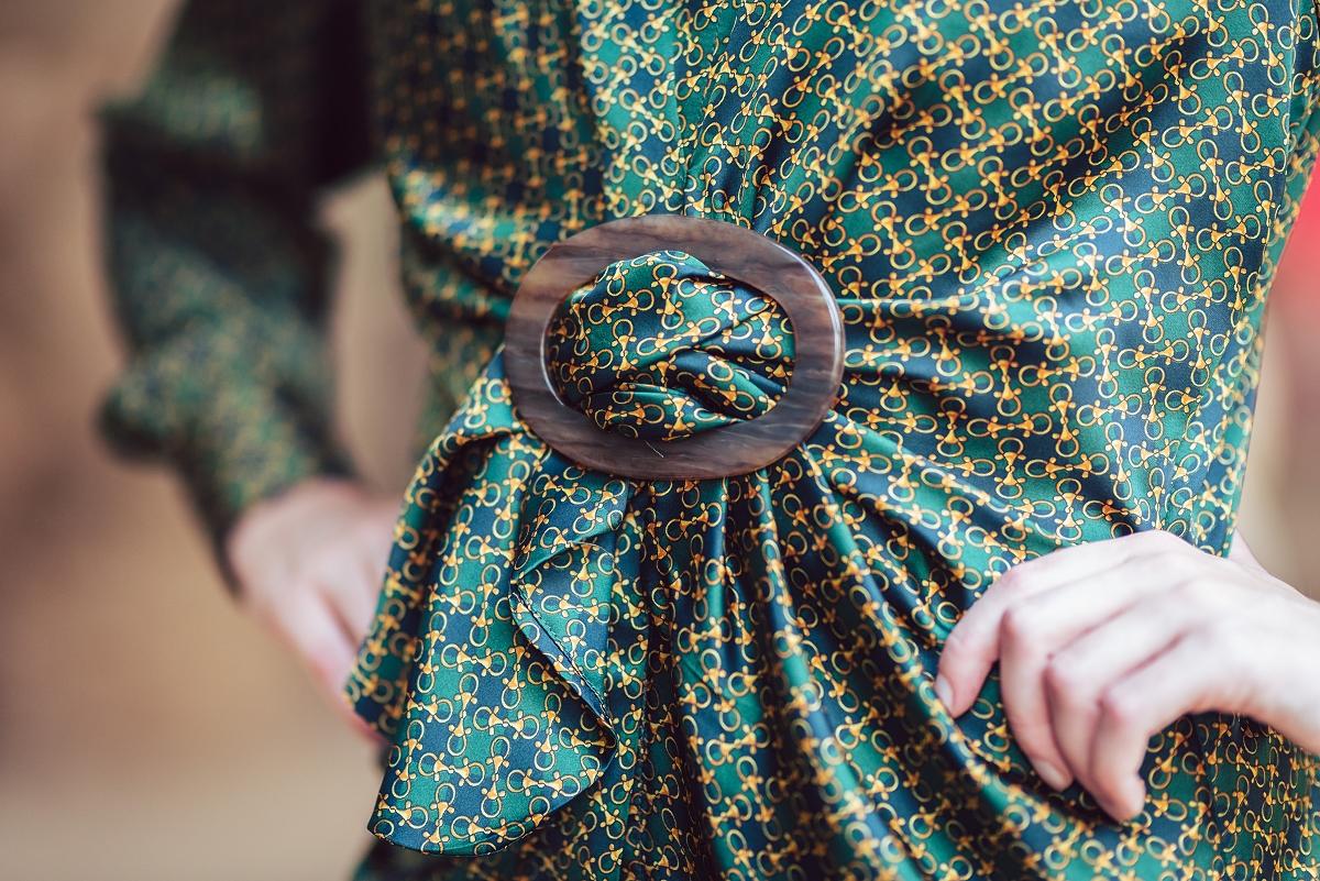 scarf print trend klamra Barcelona Park Güell