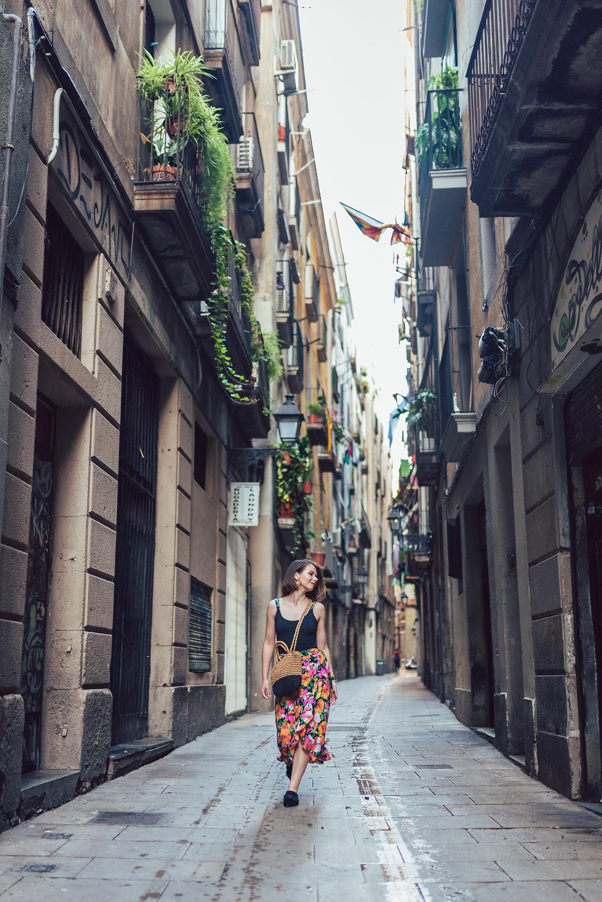 Barcelona sesja modowa spódnica 7/8 klapku mules