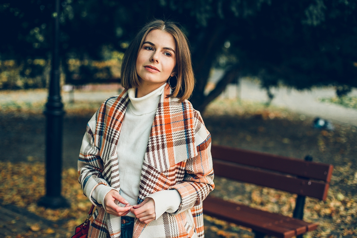 jesienna sesja Michael Kors płaszcz oversize krata