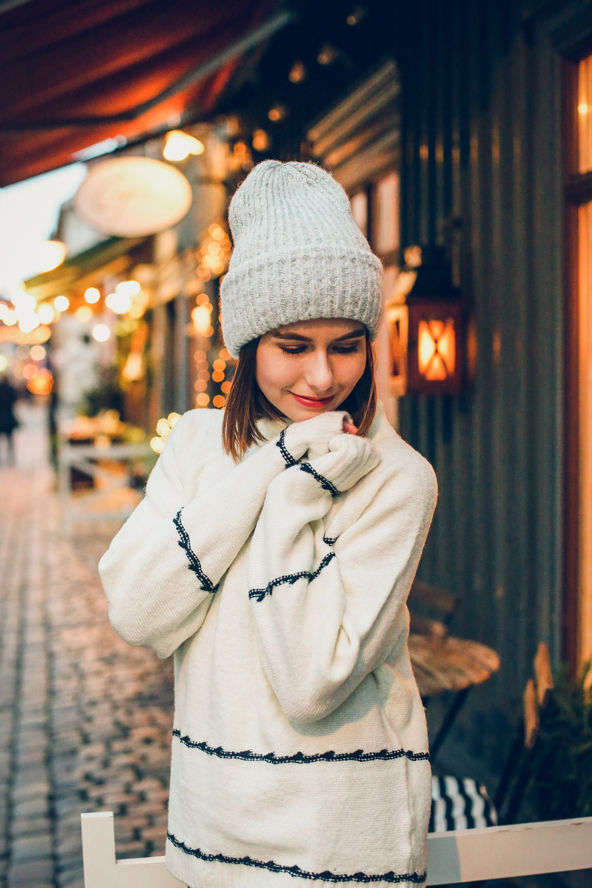 zimowa stylizacja biały sweter sesja Göteborg Haga