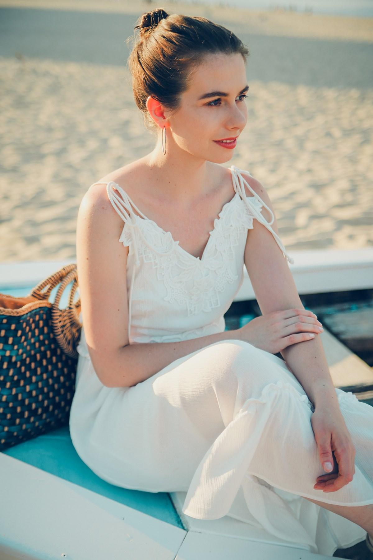Biała sukienka Orsay kwintesencja letniego stylu