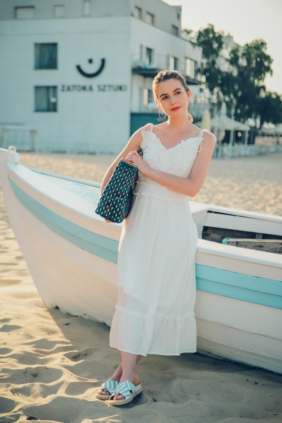 biała sukienka na lato blog modowy sesja sopot
