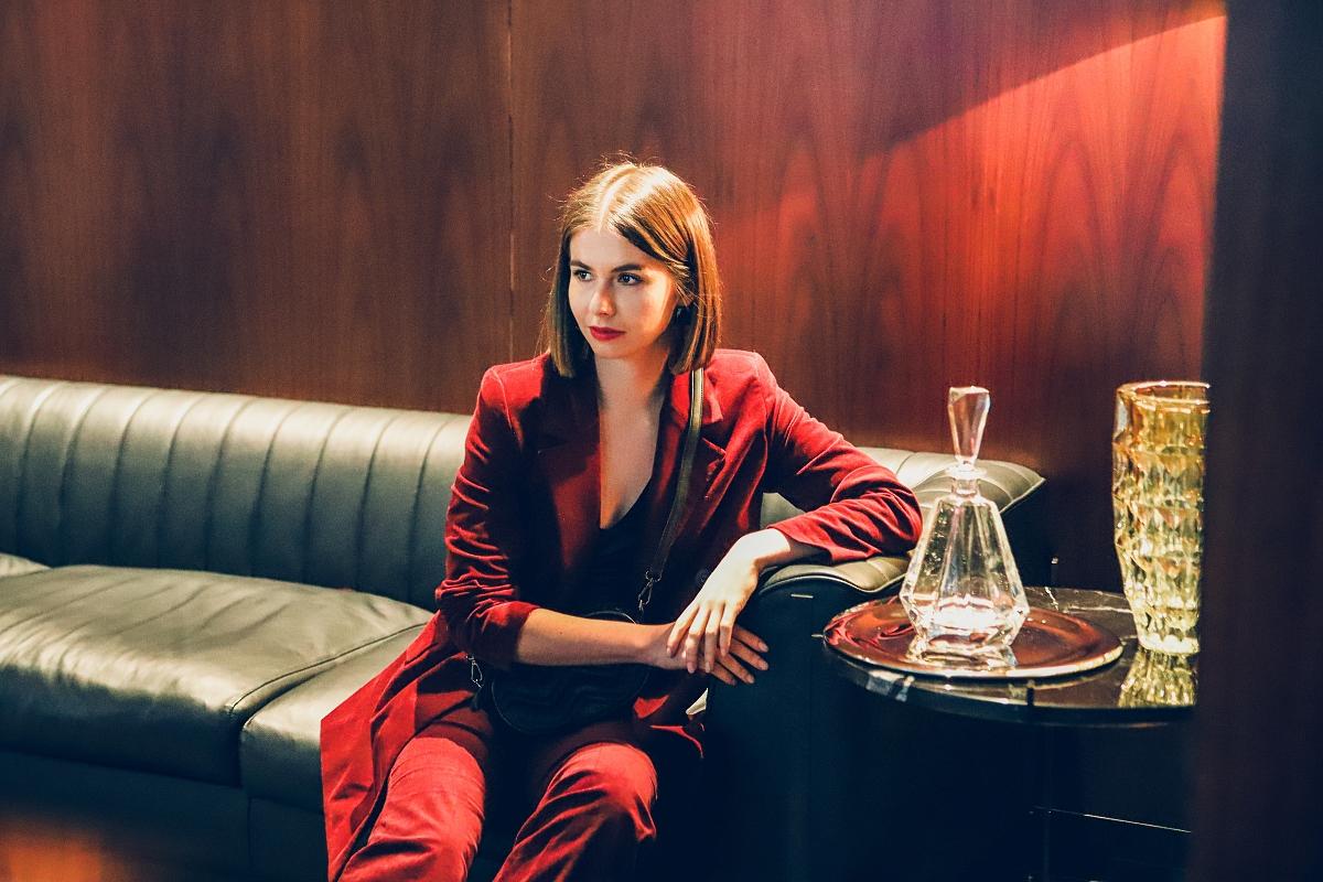 stylizacje sylwestrowe damski welurowy garnitur
