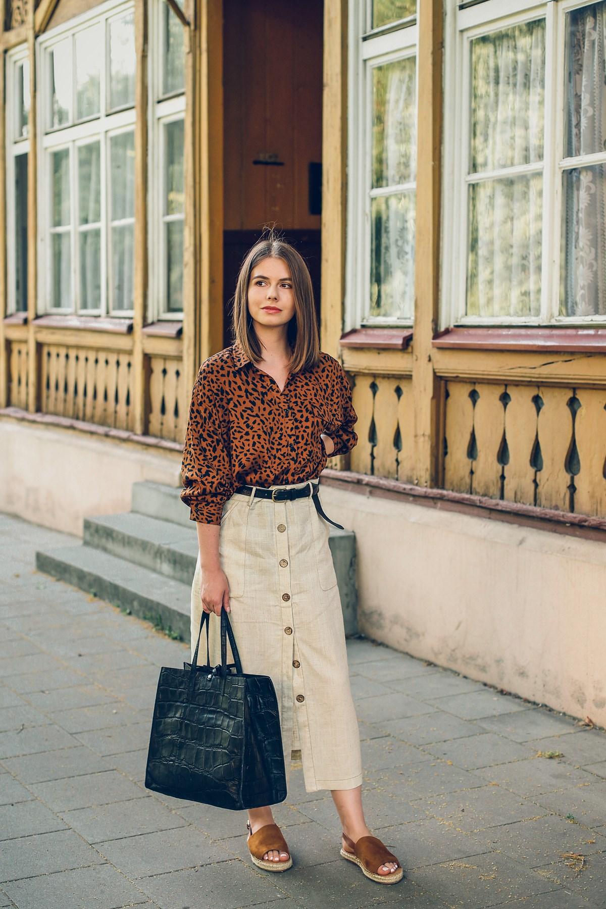 miejskie safari koszula w cetki lniana spodnica answear