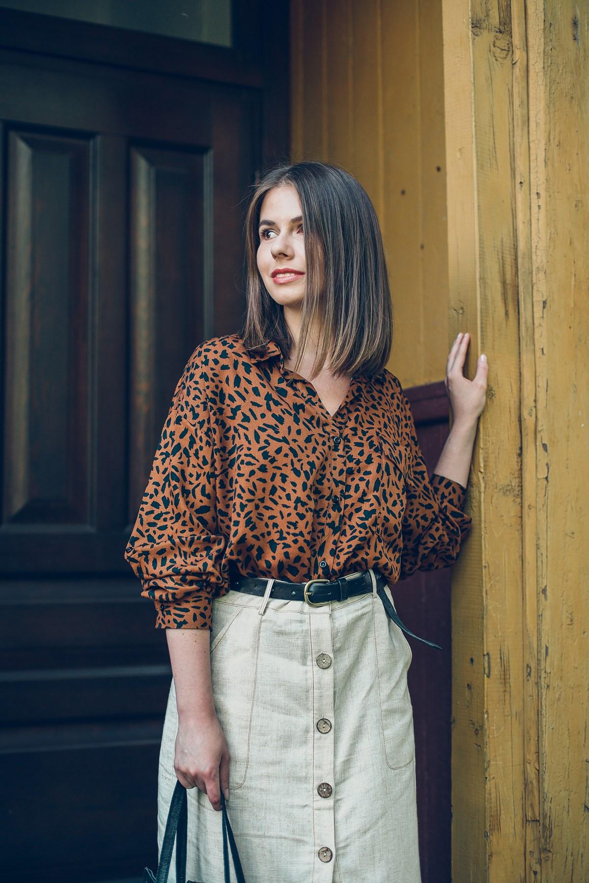 koszula w pantere spodnica lniana answear safari