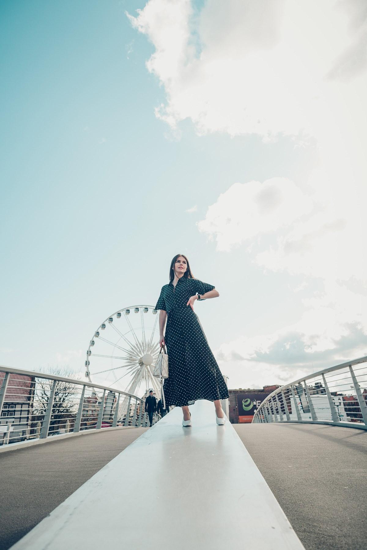 sesja modowa gdańsk retro sukienka maxi w groszki