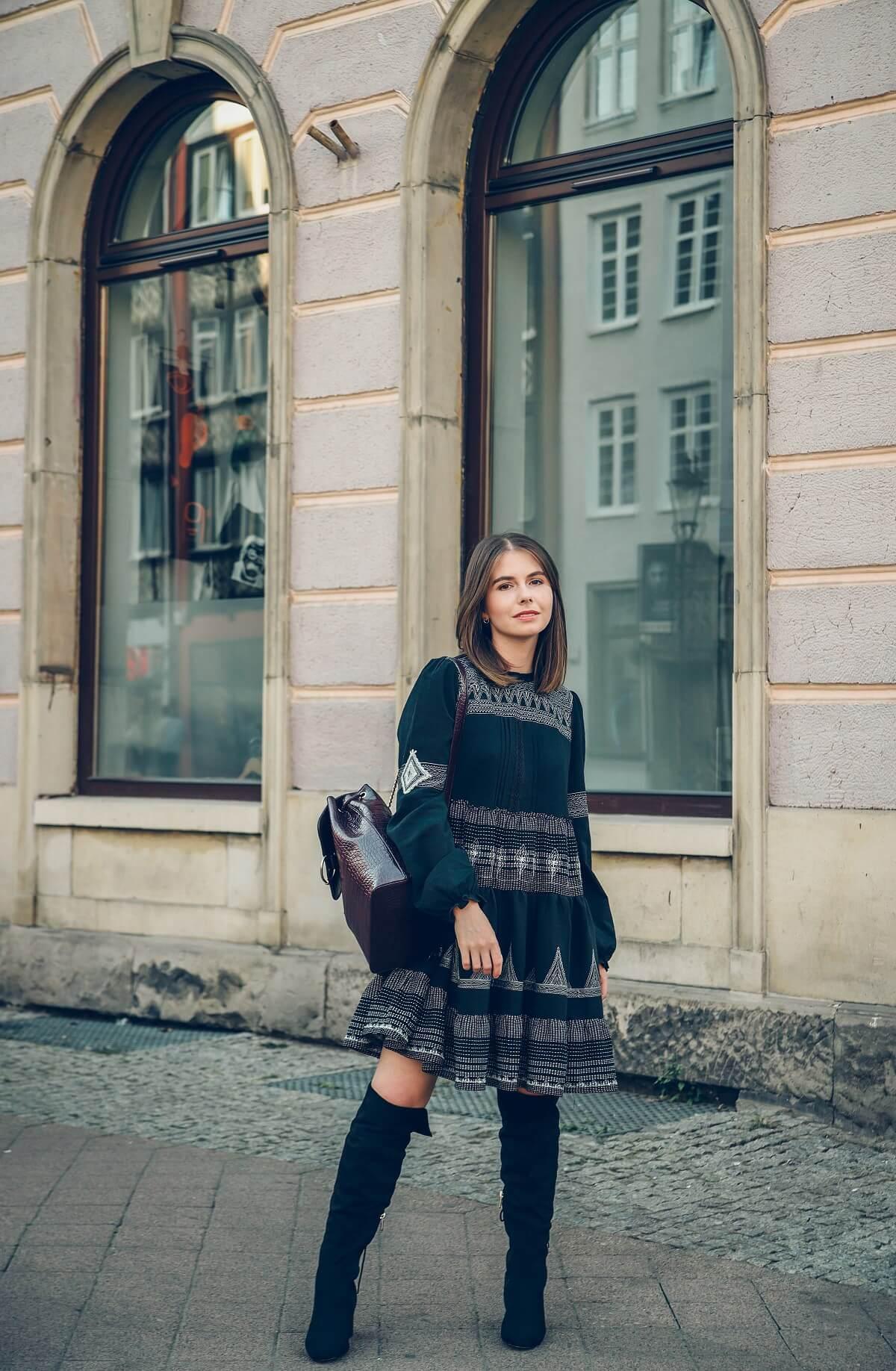romantyczna stylizacja orsay sukienka rozkloszowana kozaki xxl