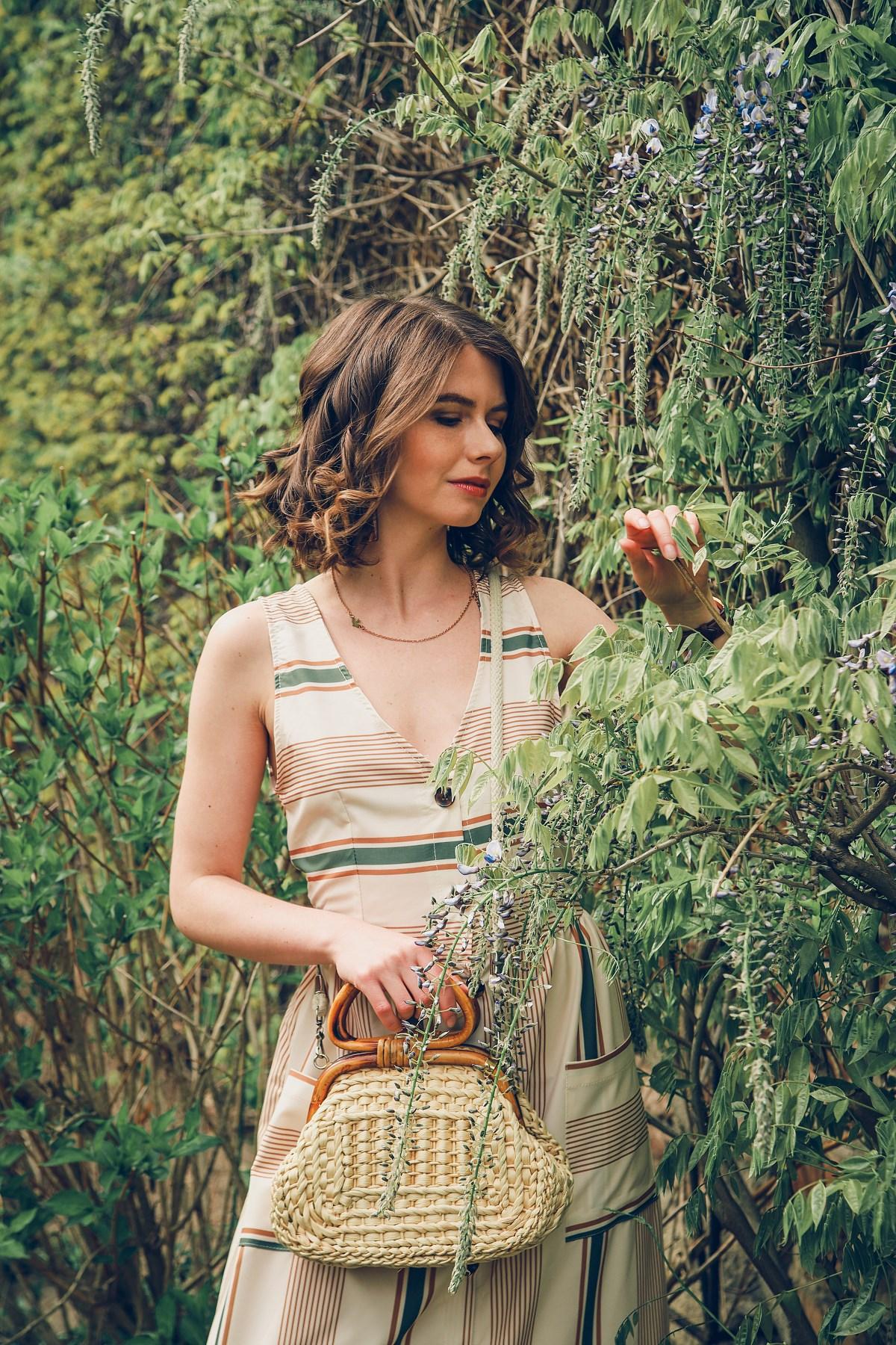 beżowa sukienka sesja modowa blog